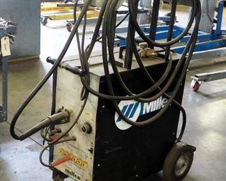Miller 200 Volt Electric Wire Welder Includes Welding Gun And Rolling Cart