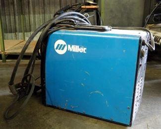 Miller 115 Volt Wire Welder, Millermatic #135 Includes Prostar Mig Gun