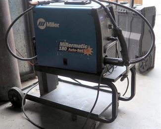 Miller 230 Volt Wire Welder, Millermatic 180 Includes Prostar Mig Welding Gun And Rolling Metal Cart