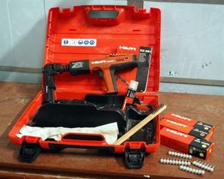 HIlti DX351 Fully Automatic Powder Actuated Tool With X-MX 32 Magazine Includes Carrying Case