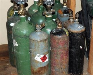 Compressed Air Tanks Qty 12 And Tank Totes 3