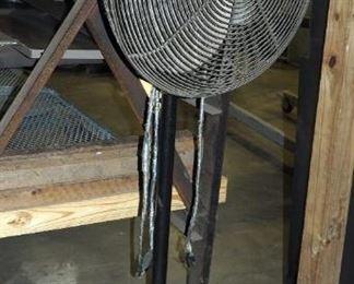 """Dayton Heavy Duty 27"""" Pedestal Shop Fan"""