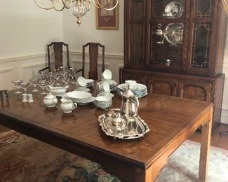 you can host dignitaries with this dining room set