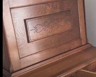 Sec Desk Closer up look