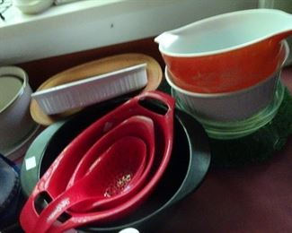 Lots of Kitchenware...…..