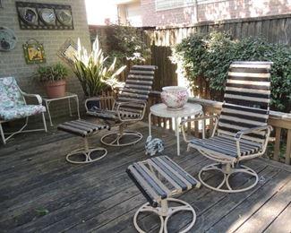 Mod patio chairs