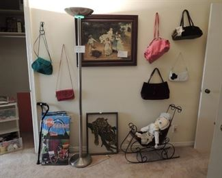 Wardrobe hand bags
