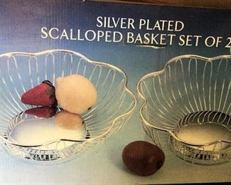 AHH001 Silver Plated Scalloped Baskets