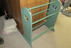 green quilt rack