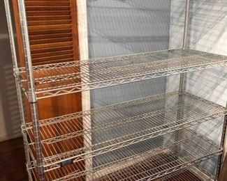 Wheeled wire shelving
