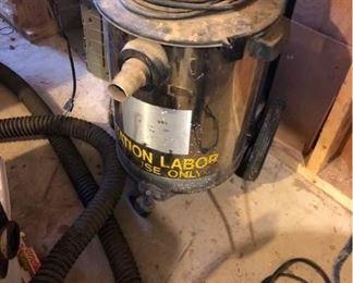 Dayton Industrial Wet/Dry Vacuum