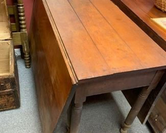 """Drop Leaf Table with Gate Legs 46"""" x 63"""" with Leafs Up!"""