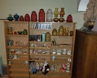 Collection of L.E. Smith glass ware, trinkets, collectibles and some media.