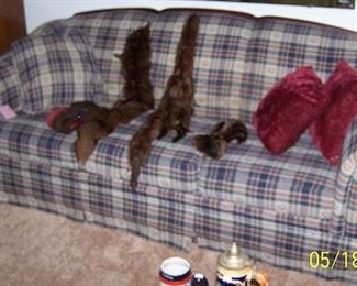 Sofa, mink collars