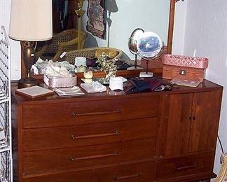 Long dresser w / mirror
