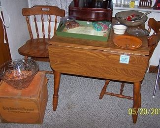 Small drop leaf kitchen table and 2 chairs