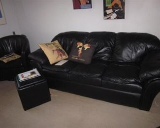 Black Leather Living Room Suite with Sofa Sleeper