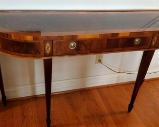 Hekman Copley Place Console/Sofa Table