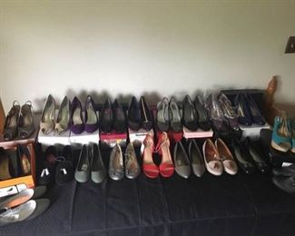 Women's Shoes #1 https://ctbids.com/#!/description/share/158882