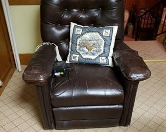 Leather lift chair, very worn on arms