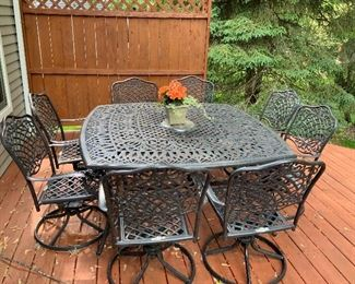 Beautiful Wrought Iron patio Set With 8 Chairs & Seat Cushions