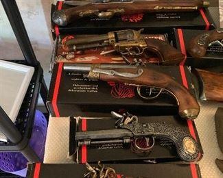DENIX FULL SIZE REPLICA GUNS