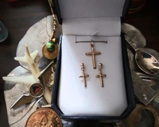 Gold crosses necklace and earring set