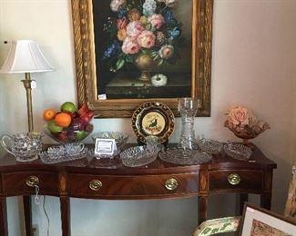 Variety of dining room items