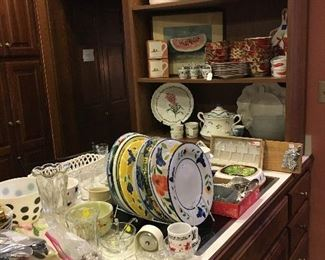 A few of the kitchen items