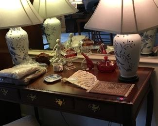 Master bedroom lamps and table