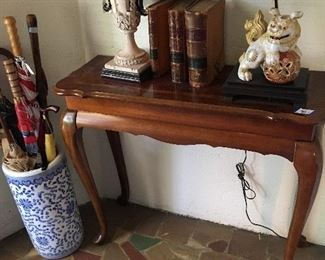 Entry table and umbrella stand