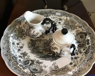Black and white decorative ware