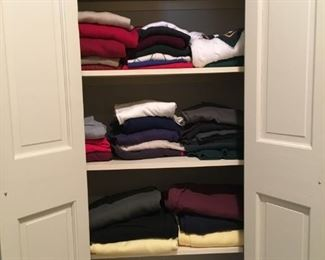 Men's sweaters and knit shirts