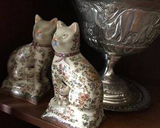 Chintz cats.  Franch flea market find