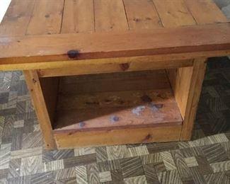 Pine End Table https://ctbids.com/#!/description/share/160158