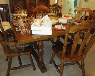 Dining table & 6 chairs with matching hutch and buffet