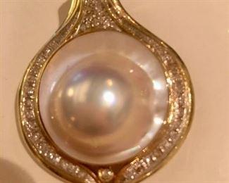 Mabe pearl/14kt/diamonds pendant