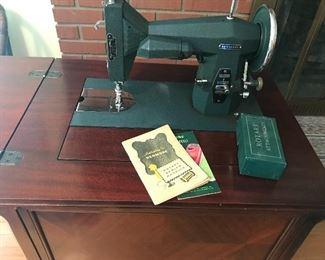 Vintage Kenmore sewing machine w/table