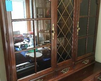 Nice china cabinet