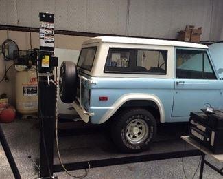 Car lift   Model PP8S 4 post car lift  8000lbs