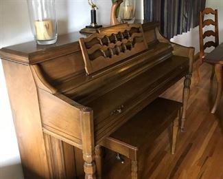 up right piano
