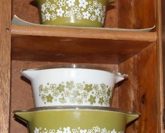 Green pyrex casserole set