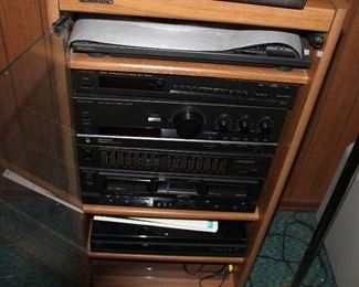 Stereo system with Technics speakers