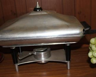 Retro cool heated chafing dish