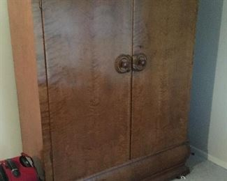 """Old School wardrobe """"Breaks down to haul on a horse and buggy """"!"""