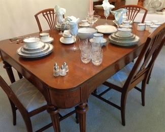 vintage dining table w/6 chairs, mahogany I think