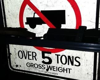 No Tucks Over 5 Tons Gross Weight City of Chicago Street Sign
