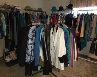 One whole room devoted to clothing! Lots of department store brands for all seasons, mostly sizes Medium and Large.