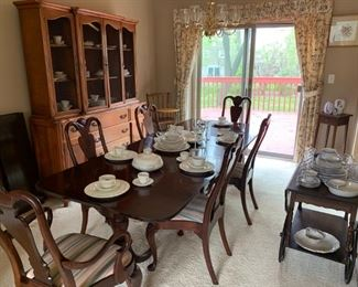 "Vintage/Antique Duncan Phyfe Style Dining Room Set includes table with three leaf extensions four side chairs and two armchairs total of 6 chairs Table Measurements: L x W x H 94"" x 38"" x 29"" Dining room chair measurements: Height of the chair 40"" Height of the seat 18""  Length of the seat 17"""