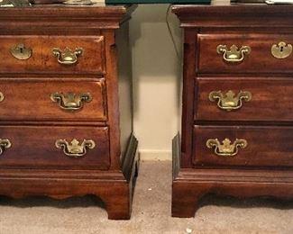 2 Queen bedroom suite nightstands